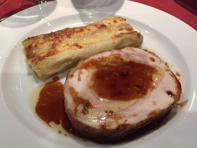 Volaille de Bresse farcie au foie gras, Macaronis aux Girolles par Alain Pégouret