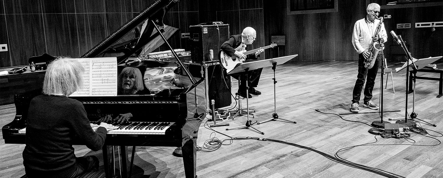 Carla Bley, Andy Sheppard, Steve Swallow – Life Goes On